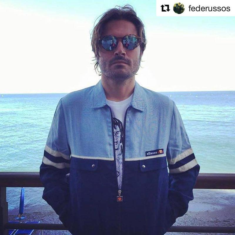 Federico Russo con la nostra maglietta di Elvis!